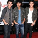 Zac Efron and the Jonas Brothers at premiere of 17 Again 36803
