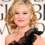 Julia Stiles at the Golden Globes 2011 76843
