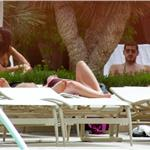 Iker Casillas and Sara Carbonero bikini poolside in LA July 2010  66234
