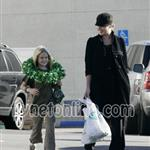 "Abbie Cornish with Reese Witherspoon""s daughter Ava  15171"