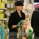 "Abbie Cornish with Reese Witherspoon""s daughter Ava  15170"