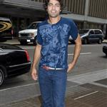 Adrian Grenier wears cuffed rolled jeans in New York 24006