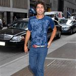 Adrian Grenier wears cuffed rolled jeans in New York 24005