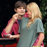 Very blonde Jessica Alba and Ashton Kutcher shoot Valentine's Day 45860