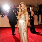 Pregnant Kate Hudson at Met Gala 2011 84389