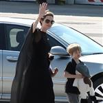 Angelina Jolie and her children Shiloh, Pax and Zahara arrive in Sarajevo  120087