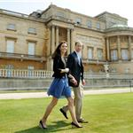 Prince William and Catherine walk hand in hand from Buckingham Palace in London 90647