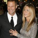 Jennifer Aniston with Aaron Eckhart at the premiere of Love Happens  46951