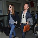 Anne Hathaway leaves LA for London after Oscars  80744