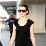 Anne Hathaway at LAX  28417