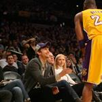 Ashton Kutcher talks to Kobe Bryant 106790