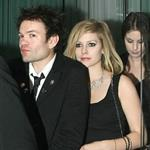 Deryck Whibley with Avril Lavigne at UK Alice premiere 55754