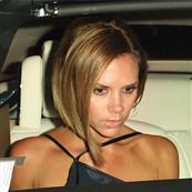 David and Victoria Beckham pretend to eat at Il Sole 22479