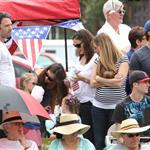 Ben Affleck and Jennifer Garner watch a 4th of July parade with their daughters 119760