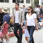 Ben Affleck and Jennifer Garner watch a 4th of July parade with their daughters 119770