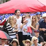 Ben Affleck and Jennifer Garner watch a 4th of July parade with their daughters 119772