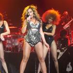 Beyonce Knowles gives performance in New York City August 2011 92879