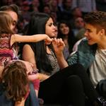 Justin Bieber Selena Gomez at the Los Angeles Lakers game 111572