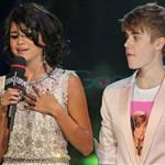 Justin Bieber and Selena Gomez at MMVAs 2011  87900