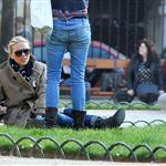 Scarlett Johansson out with friends in Paris 109551
