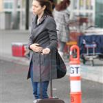 Jessica Biel leaves Vancouver with a lot of baggage 52351
