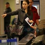 Jessica Biel leaves Vancouver with a lot of baggage 52357