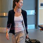 Jessica Biel arrives in Vancouver to shoot A-Team 47602