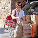 Rachel Bilson shows off engagement ring while shopping for groceries 33688