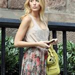 Blake Lively on the set of Gossip Girl  122452