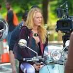 Blake Lively on the set of Gossip Girl in NYC 124556