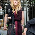 Blake Lively on the set of Gossip Girl in NYC 124574