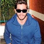 Jake Gyllenhaal visits medical building  72293