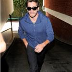 Jake Gyllenhaal visits medical building  72294