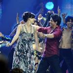 Shah Rukh Khan with Dia Mirza at IIFA Awards 2011 88535