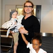 Brad Pitt and Angelina Jolie leave Japan with the children  98162