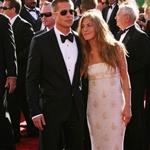 Brad Pitt Jennifer Aniston at Emmy Awards 2004  94406