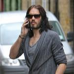Russell Brand not wearing wedding ring in London after not spending holidays with Katy Perry  101491