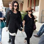 Russell Brand leaves LA for Vegas 38957