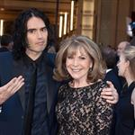 Russell Brand brings mother to Oscars 2011  80413