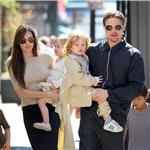 Brad Pitt Angelina Jolie with their 6 children in New Orleans going to the corner store  81741