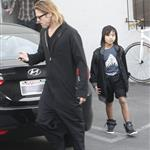 Brad Pitt and son Maddox buy a guitar and amplifier in Hollywood 107934