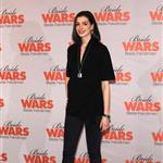 Anne Hathaway and Kate Hudson promote Bride Wars in Germany with red lips 30870