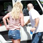 Britney Spears tweets from Glee and takes her boys out with her sinkhole 67348