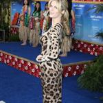 Brooklyn Decker dresses like a Housewife of Some City at Just Go With it premiere  78561
