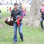 Ben Affleck and Jennifer Garner with daughters at the park  66346