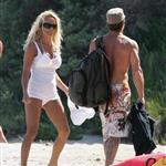 Pamela Anderson enjoys Memorial Day at the beach  39803