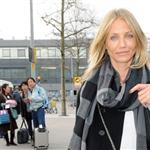 Cameron Diaz arrives in London to visit Paul Sculfor after presenting to Leonardo DiCaprio at Kids' Choice 35702