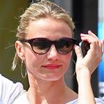 Cameron Diaz hails a cab in New York 118044