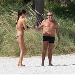 Roberto Cavalli in Miami with his girlfriend and big shorts  73351