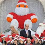 Princess Charlene of Monaco and Prince Albert II of Monaco attend the 'Arbre de Noel' 2011 For Monaco Children 100648